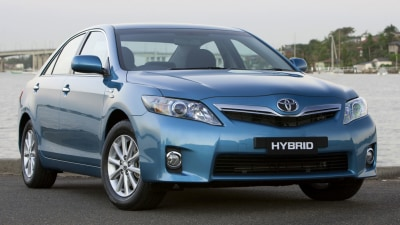 2010 Toyota Hybrid Camry Luxury Road Test Review
