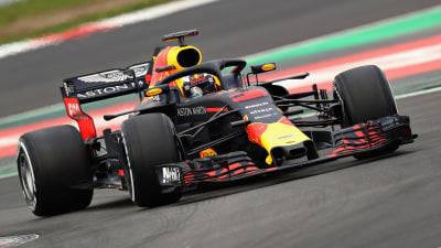 Daniel Ricciardo tops F1 testing
