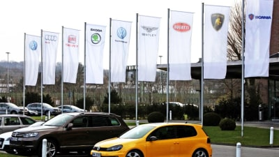 Volkswagen CEO Apologises For Emissions Scandal As Share Price Tumbles