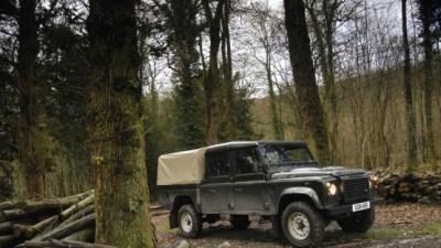 2009 Land Rover Defender Range Gets Six New Models