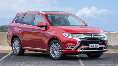 Mitsubishi Outlander PHEV Exceed 2018 she says, he says review