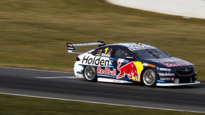 Supercars: Whincup sizzles at Symmons Plains