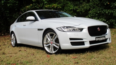 2016 Jaguar XE REVIEW - A New Fast 'Cat' Now On The Hunt