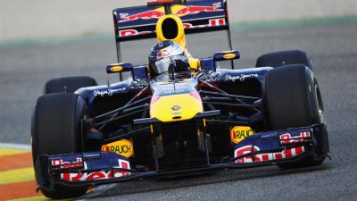 F1: Red Bull, Lotus Renault, Sauber Reveal 2011 Cars