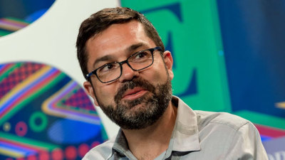 Top-tier Tesla executive Jerome Guillen departs, reasoning unclear