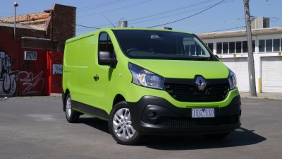 Renault Trafic REVIEW | 2015 Trafic LWB - Working Smarter, Not Harder
