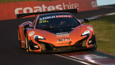 Bathurst 12-Hour 2016 - Tekno Autosports McLaren Holds Off Fast-Finishing Nissan