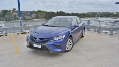 2018 Toyota Camry Ascent Sport Hybrid review