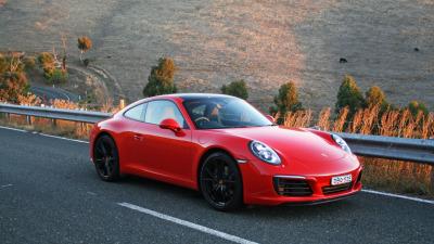2016 Porsche 911 Carrera Manual Coupe REVIEW | Capacity Down, Outputs Up... 911 Magic