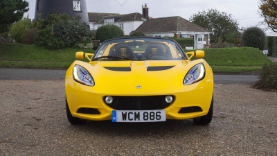 Lotus Goes Back To The Future With Elise Sport and Sport 220