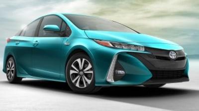 Toyota Prius Prime revealed