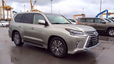 2016 Lexus LX 570 Spied Undisguised Ahead Of Official Reveal
