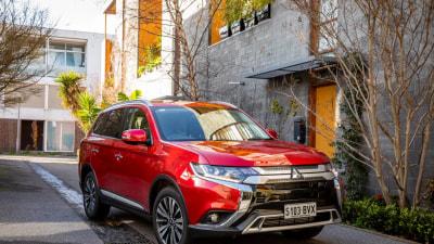 Mitsubishi updates Outlander range