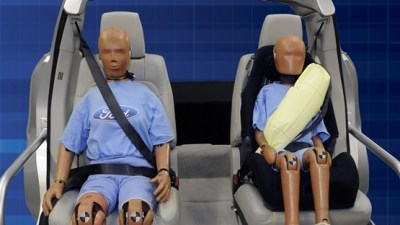 Ford Unveils Seatbelt Airbags, Due In New Models From Late 2010: Video