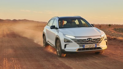 Hyundai Nexo hydrogen car sets distance record from Melbourne to Broken Hill, comes back on a trailer