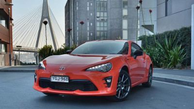 2017 Toyota 86 LE Review | Limited Edition Adds Some Charm to Aging Sporty Coupe