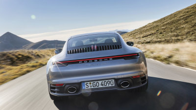 Porsche 911 Hybrid details revealed