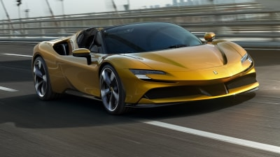Video: 2021 Ferrari SF90 Spider road testing