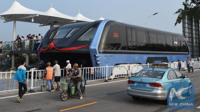 Elevated Bus Prototype Rolls Out In China