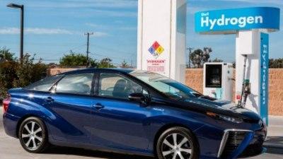 Toyota invites PM to test drive the future