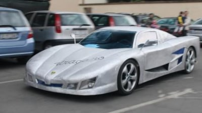 Italian man builds his own one-off supercar
