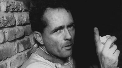 Champion Racer And Legend Phil Hill Dies at 81