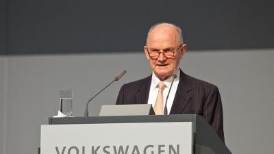 Volkswagen Boardroom Battle: Piech Resigns As Chairman