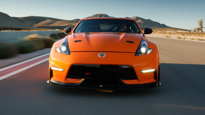 Nissan reveals dealer-parts 370Z track car