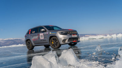 Jeep Grand Cherokee Trackhawk becomes world's fastest SUV... on ice