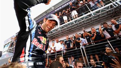 F1: Webber Not One To Write Off - Horner, Ecclestone