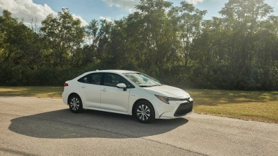 New Corolla sedan gets hybrid drivetrain