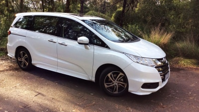 2016 Honda Odyssey VTi-L REVIEW - Roomy As, And The Kids Will Love it... (So Will 'The Pooch')