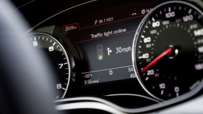 Audi Traffic Signal Recognition System Gets The Green Light