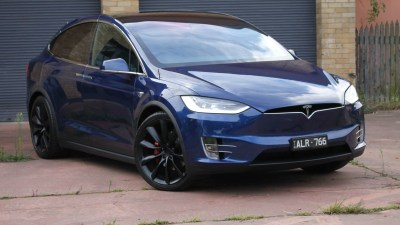 2017 Tesla Model X P100D REVIEW - Simply A Standout SUV