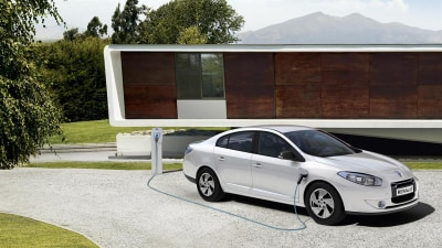 2011 Renault Fluence Z.E. Electric Vehicle Unveiled, Australian Debut Unlikely