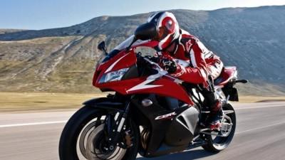 2009 Honda CBR600RR And CB400 Get Tri-Colour Paint Schemes