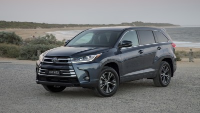 Updated Toyota Kluger revealed