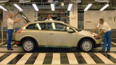 Volvo Cuts Operating Costs, 4616 Jobs Lost