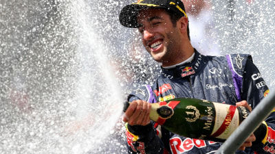 F1: Ricciardo Sets Sights On Title, Merc Bosses Slam Rosberg For Crash