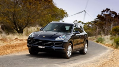 Porsche Cayenne e-hybrid 2018 new car review
