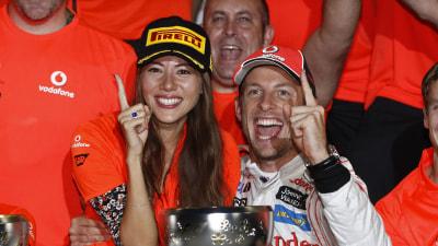 F1: Button Wins At Suzuka, Vettel Takes Title