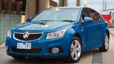 2013 Cruze SRi-V Adds Sat Nav; 'Siri Eyes Free' In All Hatch And Sedan Models