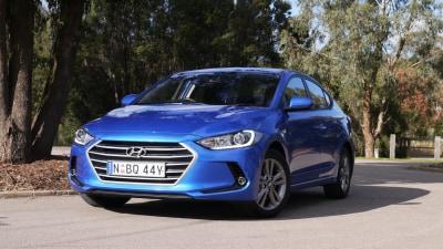 2016 Hyundai Elantra Active REVIEW | No Surprises, Just Solid Value