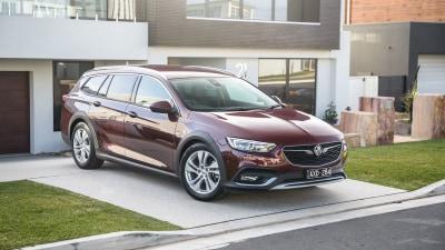 2019 Holden Calais Tourer review
