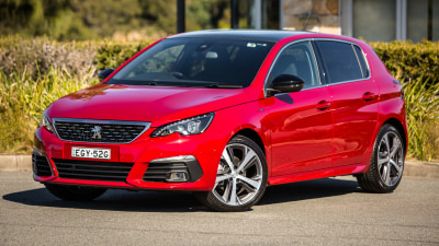 Peugeot 308 to go back to analogue gauges due to chip shortage – report