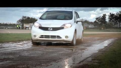 Nissan Testing Dirt-Repelling Nano-Paint Technology: Video