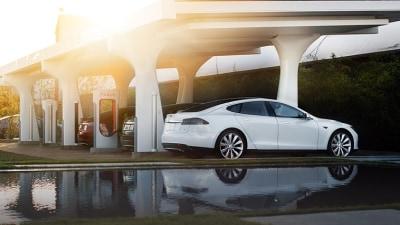 Tesla Supercharger For Sydney, Gigafactory For Nevada