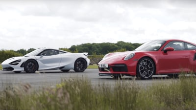 Porsche 911 Turbo S versus McLaren 720S in drag race