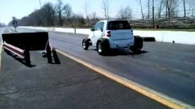 Video: Smart ForTwo V8 Drag Car? What A Piece Of...