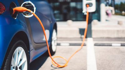 More than 400 electric vehicle charging stations to be rolled out Australia-wide in new government-backed scheme